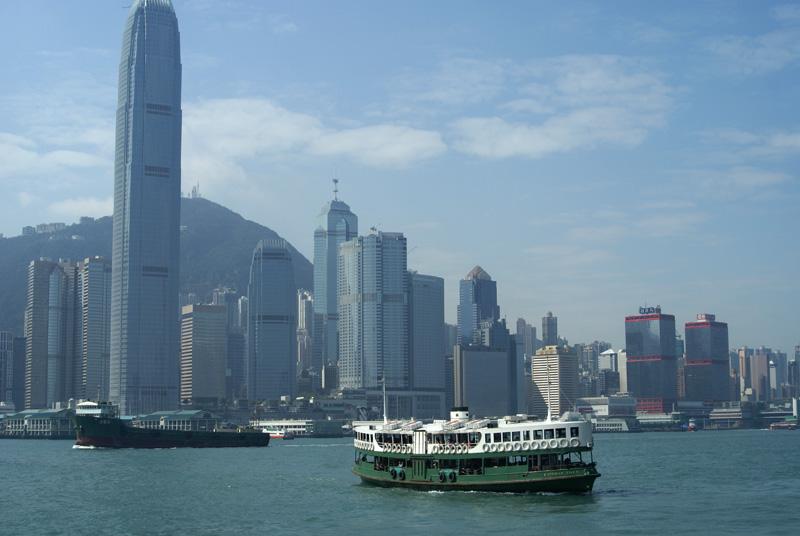 西に伸びる香港島開発