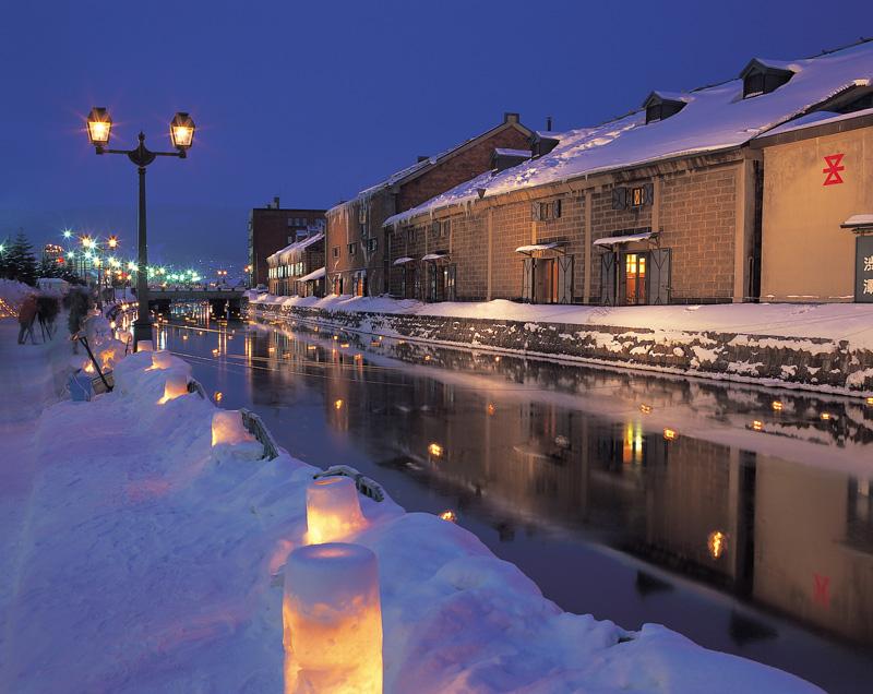 冬の小樽運河 (小樽FC製作の小樽観光写真素材集より引用)