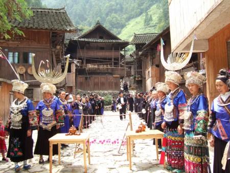中国の美しい村での客人歓迎風景(貴州省)