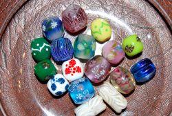 様々な模様のとんぼ玉