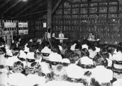 1978(昭和53)年6月に前野麻袋倉庫でのセミナー(大家倉庫隣にあったが今はない)(森下満氏撮影)